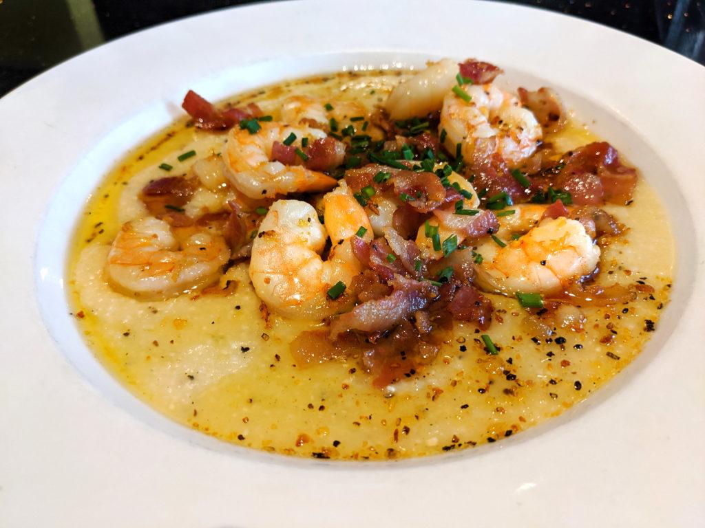 shrimp and grits dish
